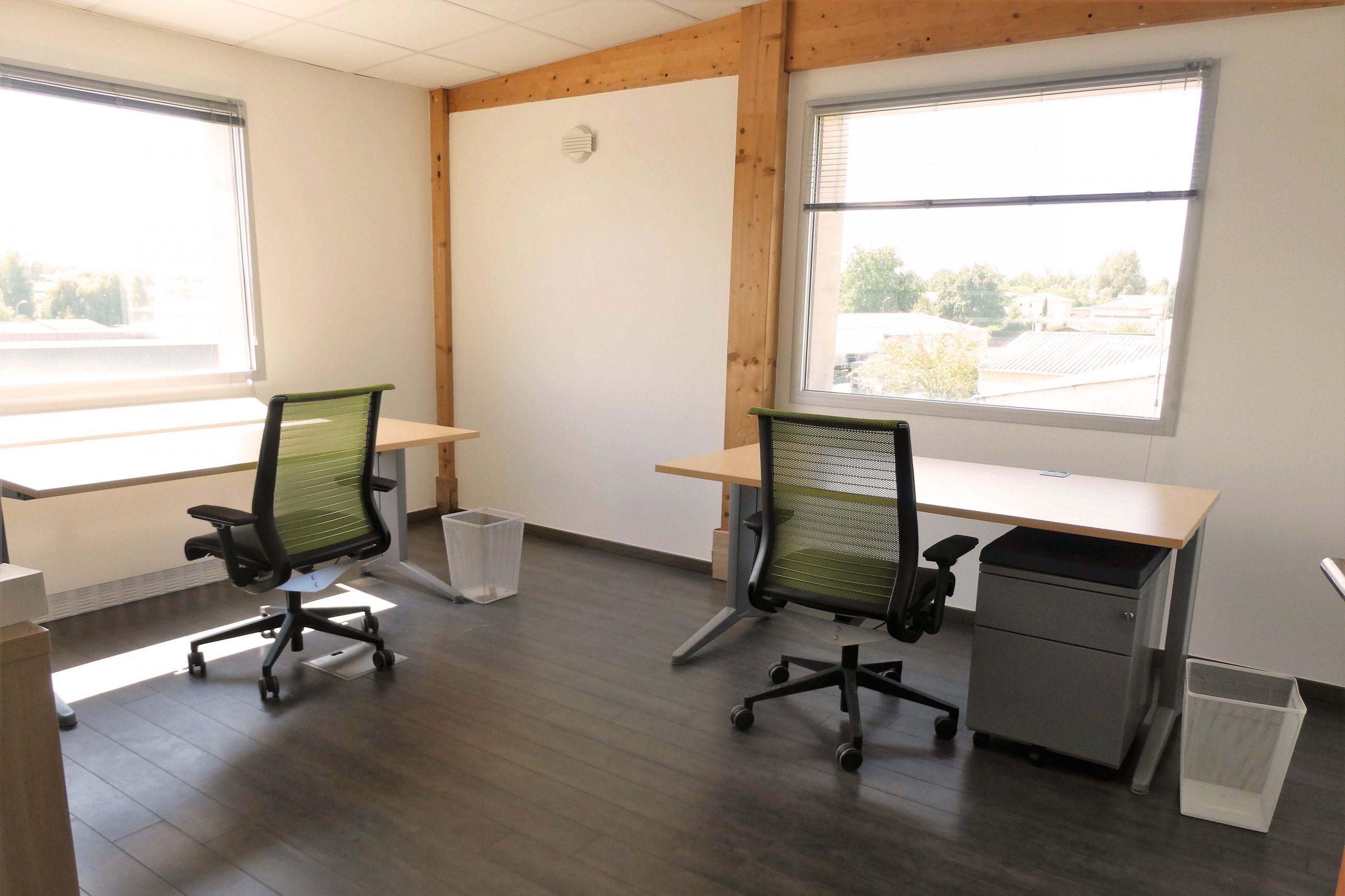 bureau 4 personnes à Brindas